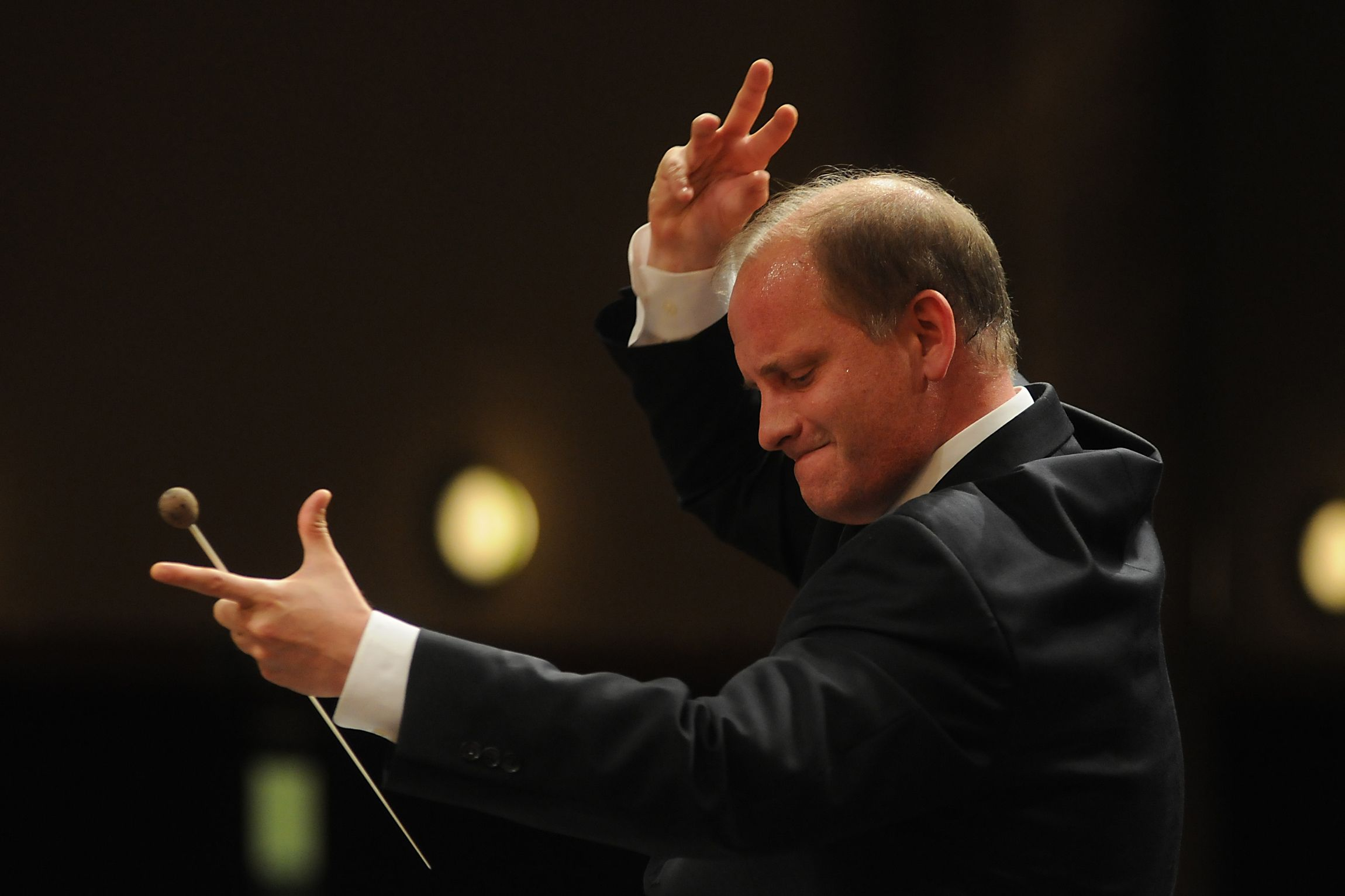 The Fresno Philharmonic kicks off its 62nd season with the amazing cellist Lynn Harrell performing two concertos with Maestro Theodore Kuchar!  DATES: Sunday, Sep 27, 2015 * 3:00 PM William Saroyan Theatre Theodore Kuchar, conductor Lynn Harrell, cello  MUSIC: Shostakovich Suite for Jazz Orchestra No. 2 Schumann  Cello Concerto Bloch  Schelomo R Strauss  Suite from Der Rosenkavalier