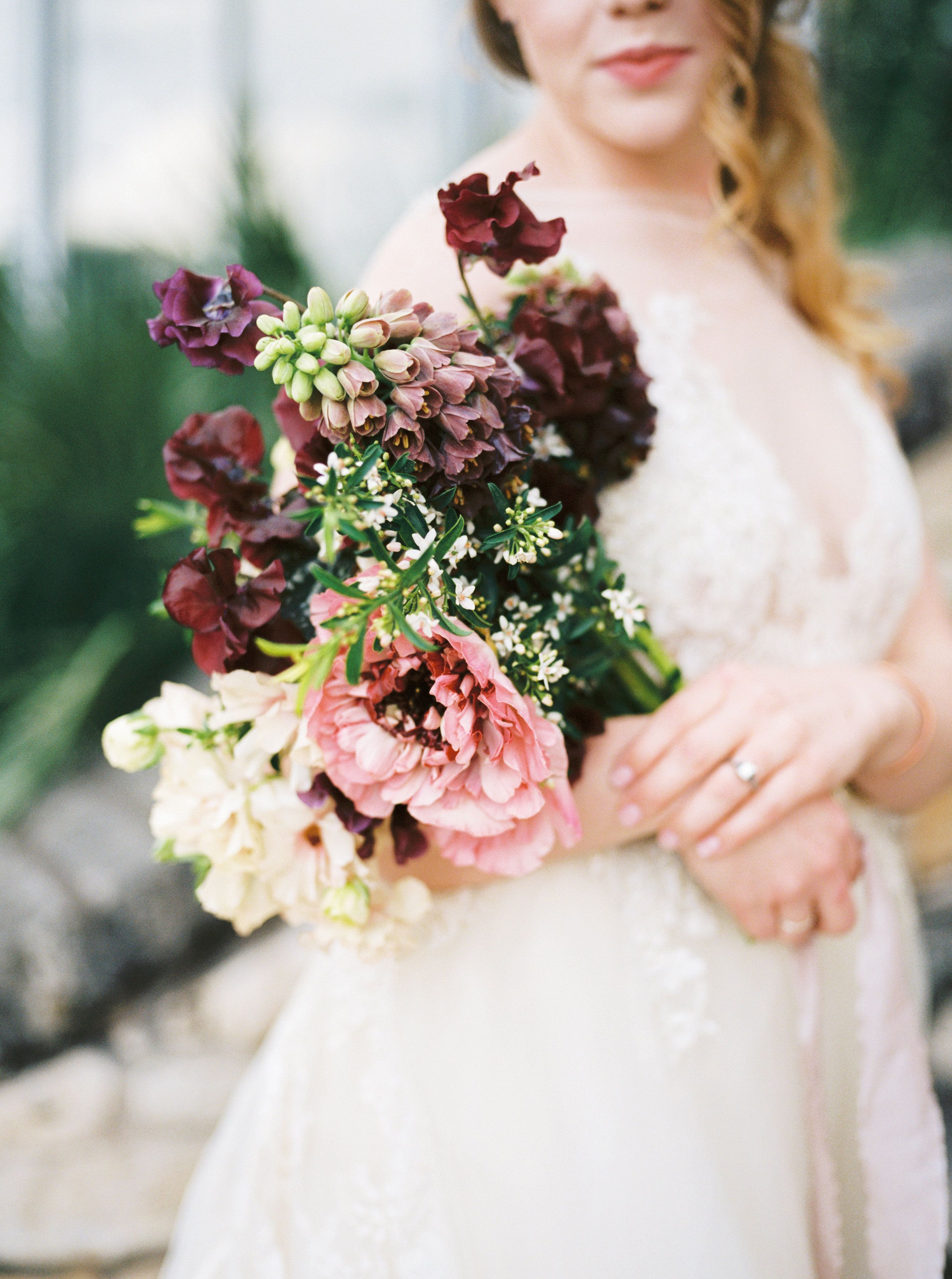 Fl By Color Theory Collective Southwest Styled Wedding Plum Champagne Marsala Ivory Blush Mauve Sweet Peas Ranunculus