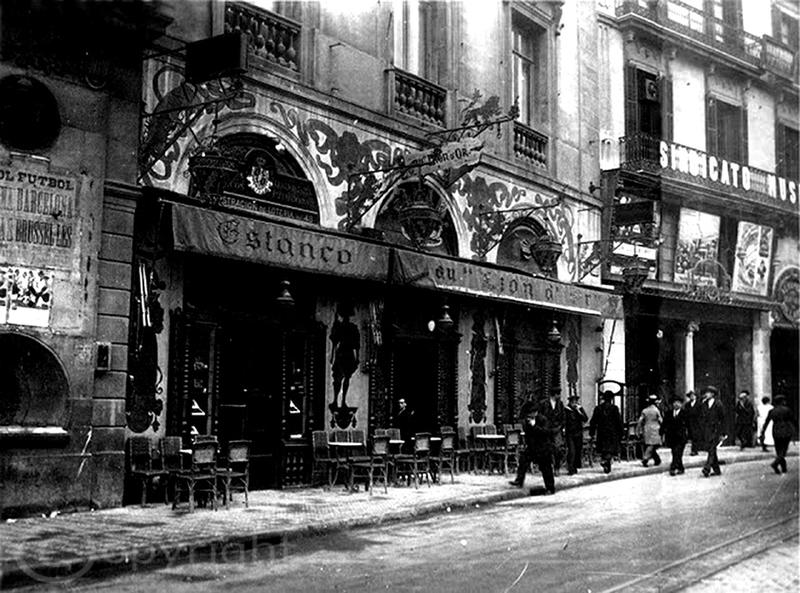 Au Lyon D Or El León De Oro Fotos De Barcelona Barcelona Barcelona Ciudad