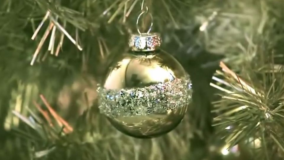 How to Make Holiday Glitter Glass Ornaments at Joann.com