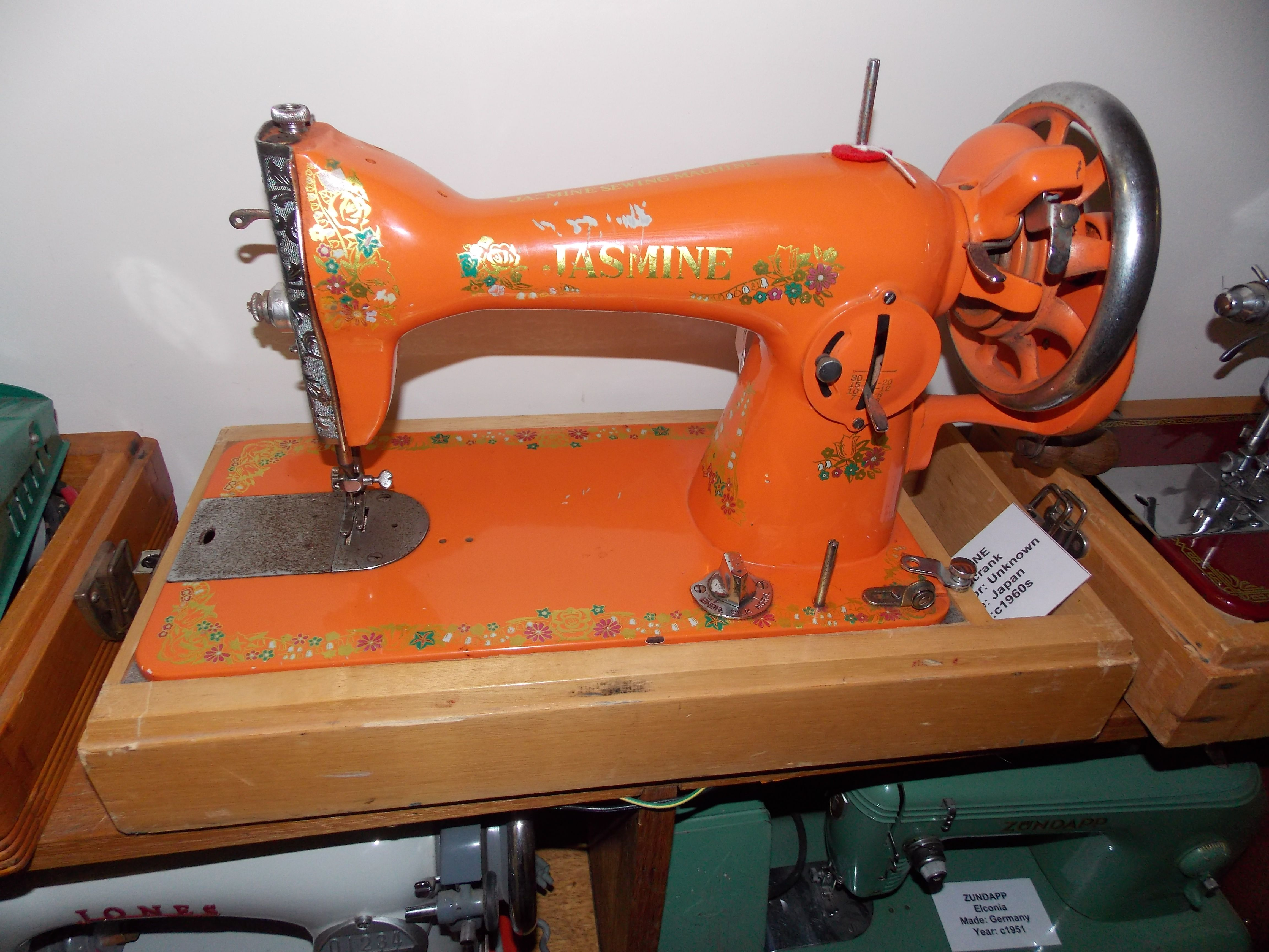 This Delight Has Jasmine On It Not The Jasmine Sewing Machine Company Or Pty Ltd Just Jasmine Sewing Vintage Sewing Machines Sewing Machine Vintage Sewing