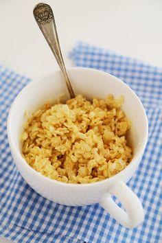 1 minuto de microondas Rice Krispies Treats em uma caneca - apenas 3 ingredientes!  Gostos ...