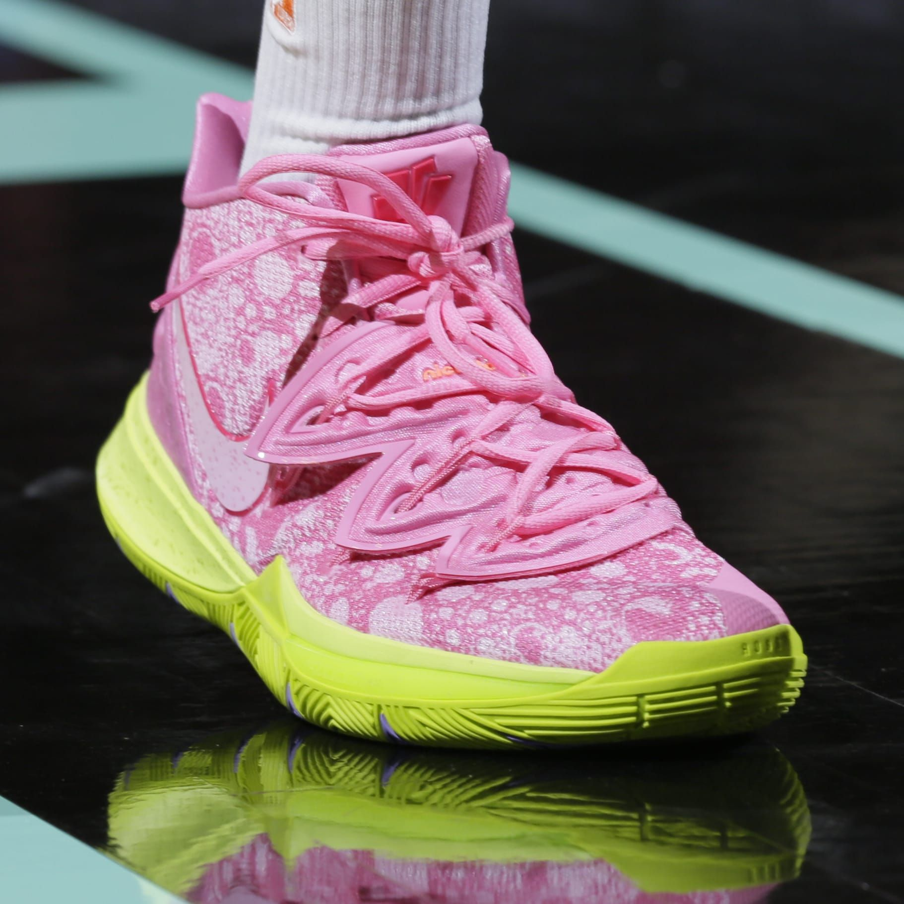 brand new 9bf94 e677d Kyrie Irving Teams Up with SpongeBob SquarePants for Sneaker ...