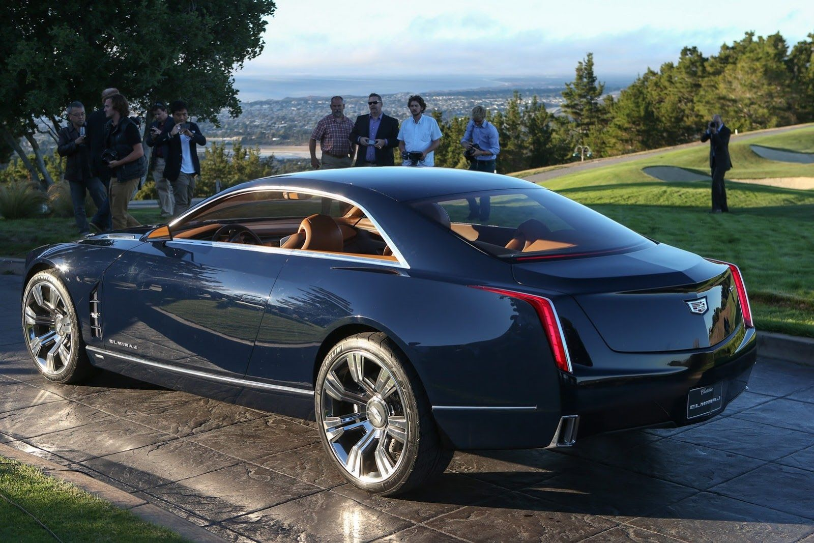 Cadillac elmiraj concept car debuts is one sexy look at the future rides magazine