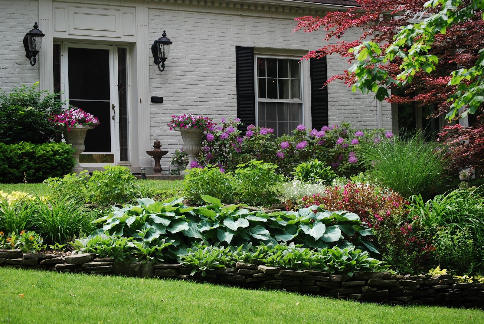 Pin By Pam Wellman On Landscape Front Yard Landscaping Design