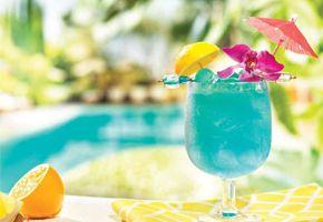 Lemon Lagoon 1oz Vodka 1 2oz Blue Curacao 1 2oz Lemon Juice 3oz White Cranberry Juice Oo Summer Party Drink White Cranberry Juice Tiki Party