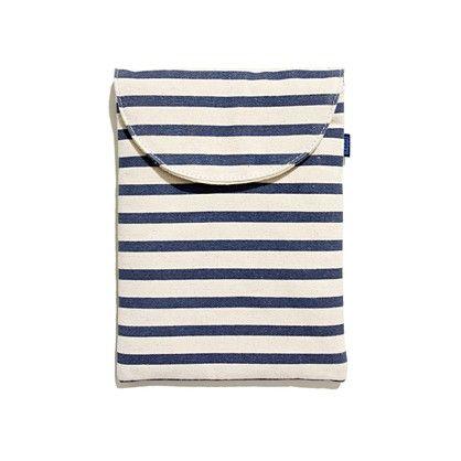 BAGGU® striped iPad Sleeve