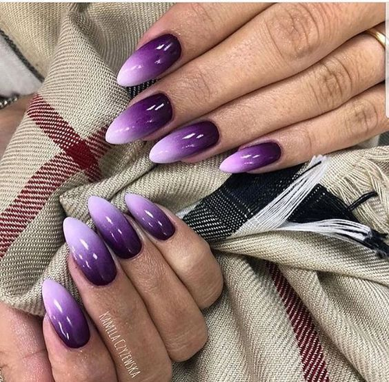 Idea de esmalte de uñas morado fresco - Angela