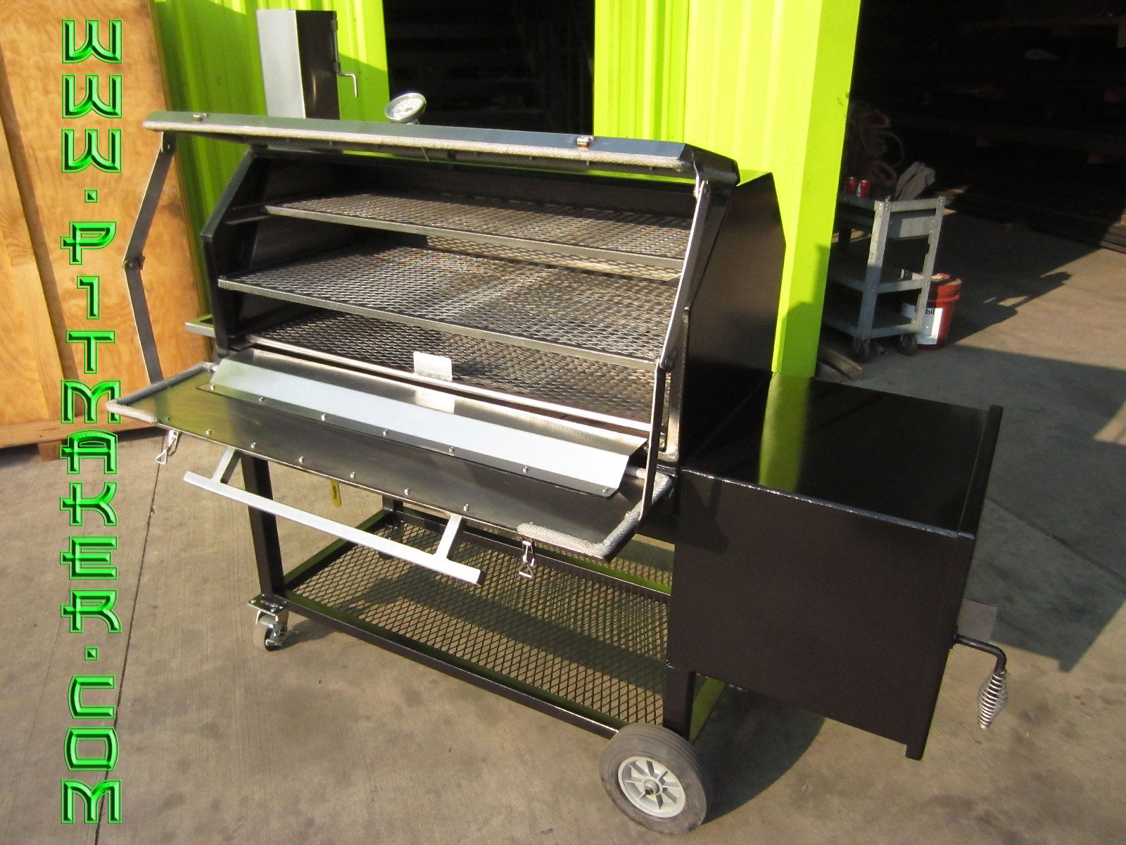 PITMAKER.COM stainless smoker. The one we shall have ...