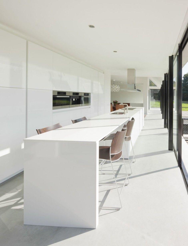 Diseño y planos de moderna casa de un piso con sótano y buhardilla ...