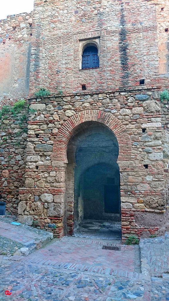 Puerta del cristo vista desde el interior la alcazaba - Puertas interior malaga ...