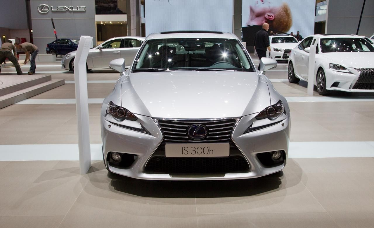 2016 Lexus IS 300 Review