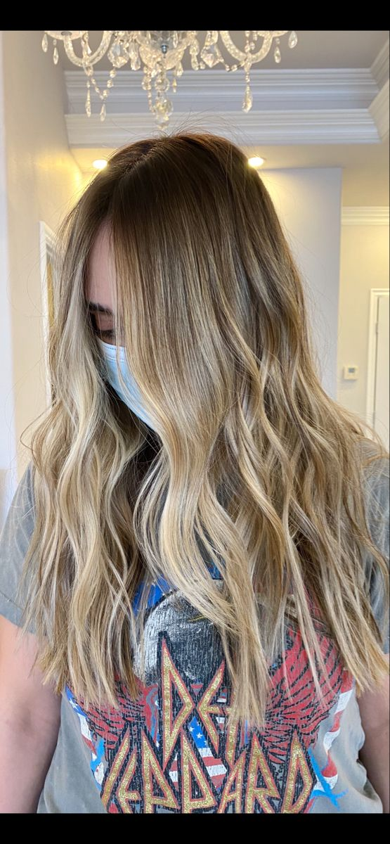 Balayage color melt #babylights #honeyblonde #popsofblonde #balayagehair#hairstyle #trendinghair #livedincolor #coloredhair