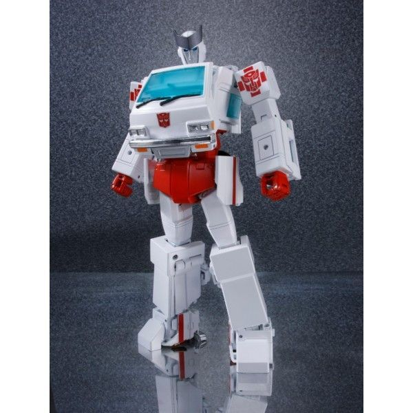 """Masterpiece MP30 Autobots MP30 Ratchet Action Figure 7/"""" Toy New in Box"""