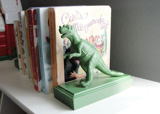 DIY Plastic Animal Bookends