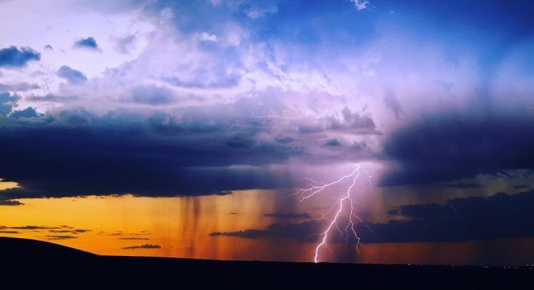A Stunning Timelapse Of Lightning Piercing Through The Skies Shot