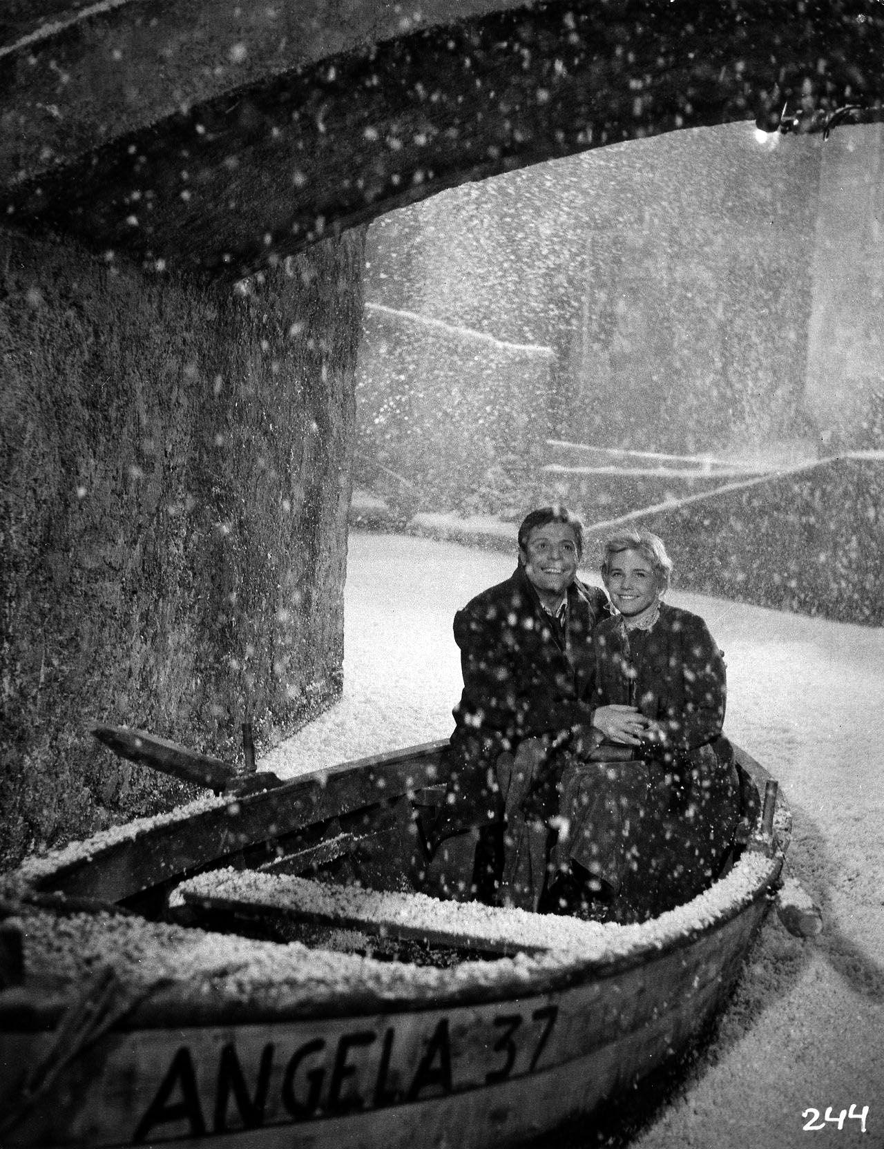 "Marcello Mastroianni y Maria Schell en ""Nochas Blancas"" (Le Notti Bianche), 1957"