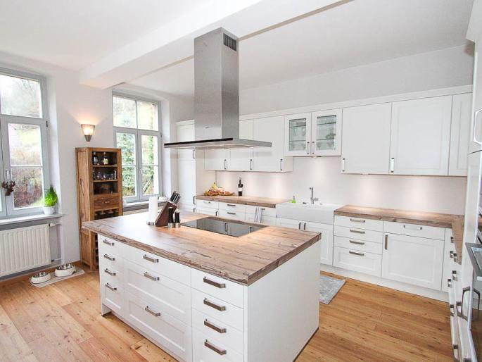 Moderner, offener Küchenbereich im OG (Einbauküche im Kaufpreis - einbauküchen für kleine küchen