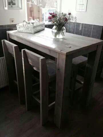 Hoge eettafel met barkrukken steigerhout bartafels for Hoge eettafels