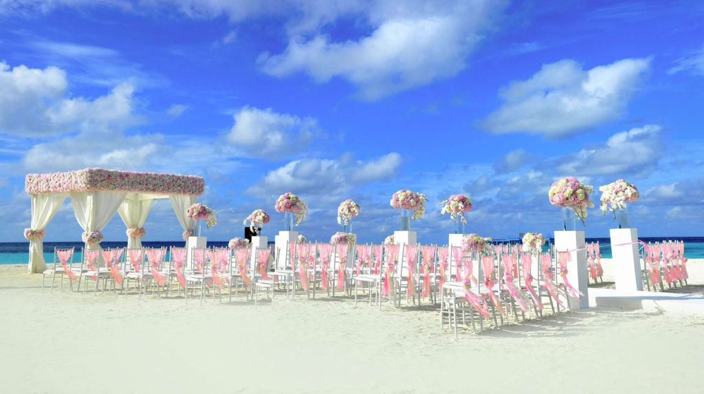 Add a magical effect to your #beach #weddings!