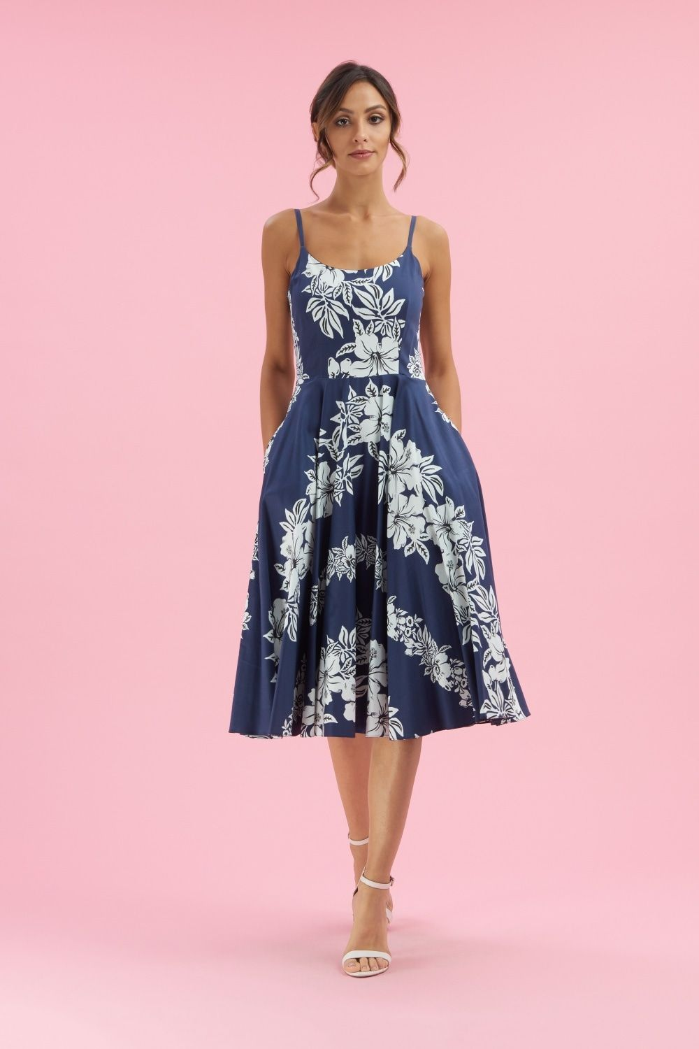 10 Dresses To Wear To A Summer Wedding Equally Wed Midi Swing Dress Dresses To Wear To A Wedding Dresses [ 1500 x 1000 Pixel ]