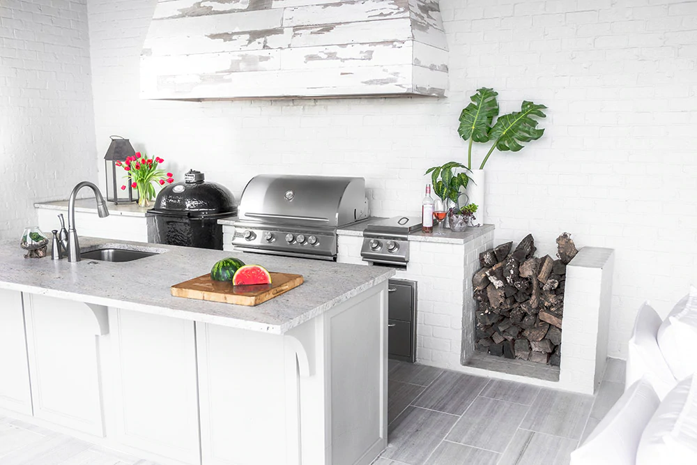 Modern Louisiana Farmhouse Outdoor Kitchen Gallery Bbqguys In 2020 Outdoor Kitchen Countertops Kitchen Renovation Outdoor Kitchen