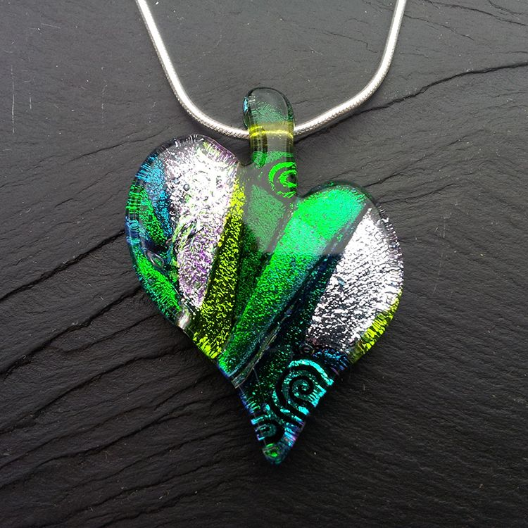 Perfect Green Heart Pendant New Style Detail. Simple ProjectsHeart PendantsFused  GlassFun ThingsChallenges