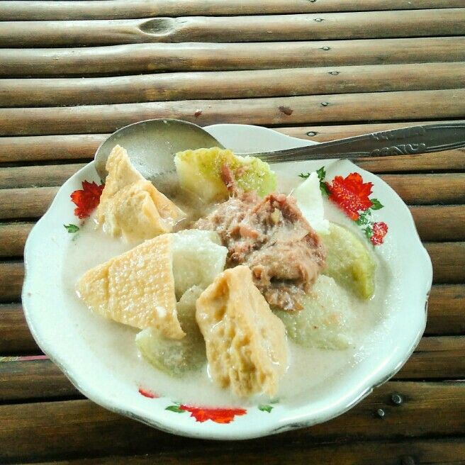 Lentog Tanjung Cuisine From Kudus Of Indonesia Rice Cake Cooked In Banana Leave Fried Tofu Young Jackfruit With Savory Coconut Milk Curry Shrimp C Masakan