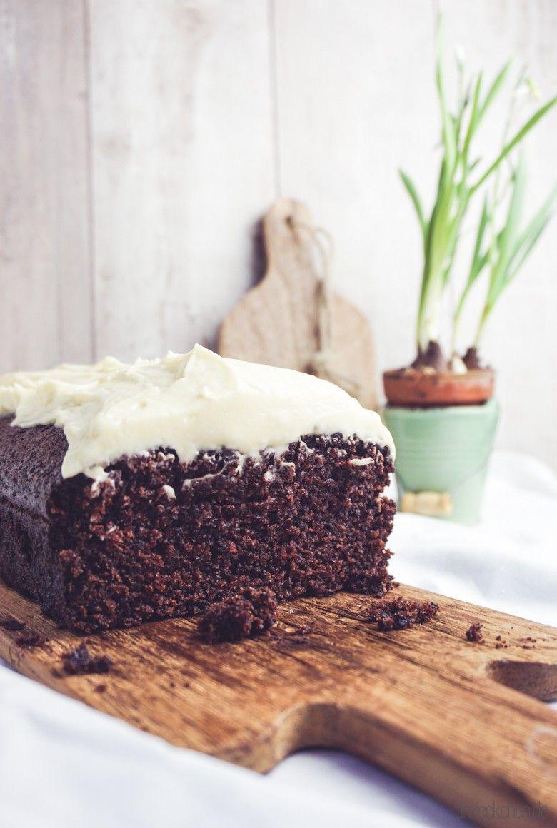 Schokoladen-Karotten-Kuchen mit sahnigem Cream Cheese Frosting #creamcheesefrosting