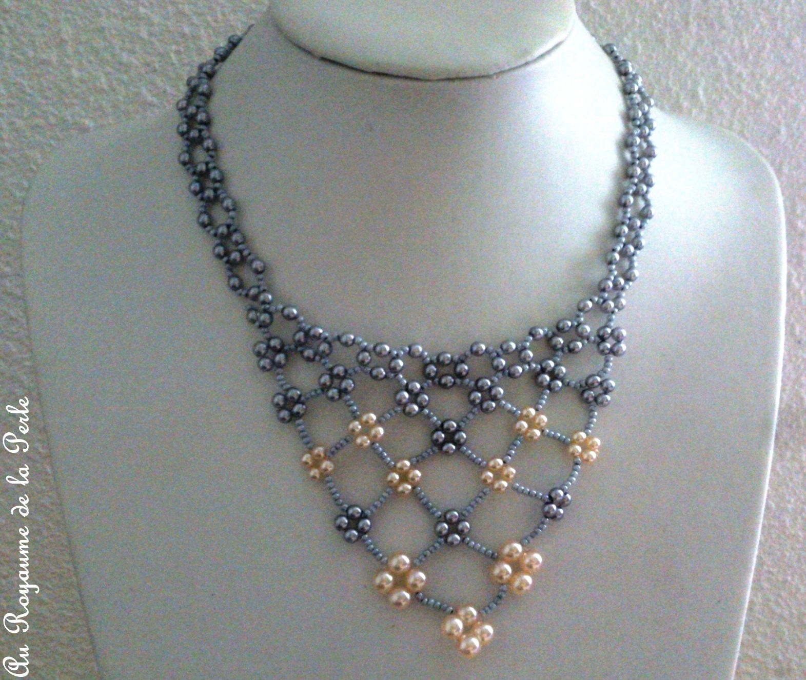 collier perle gris
