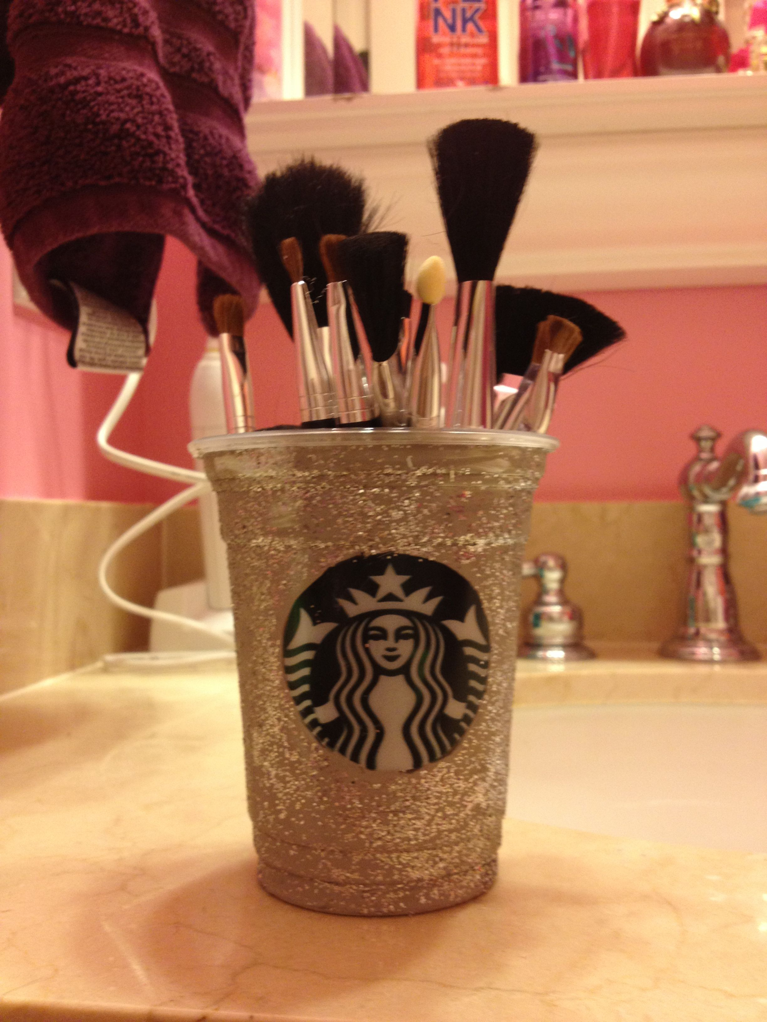 Diy Makeup Brush Holder I Love It So Much All You Have To Do Is Get