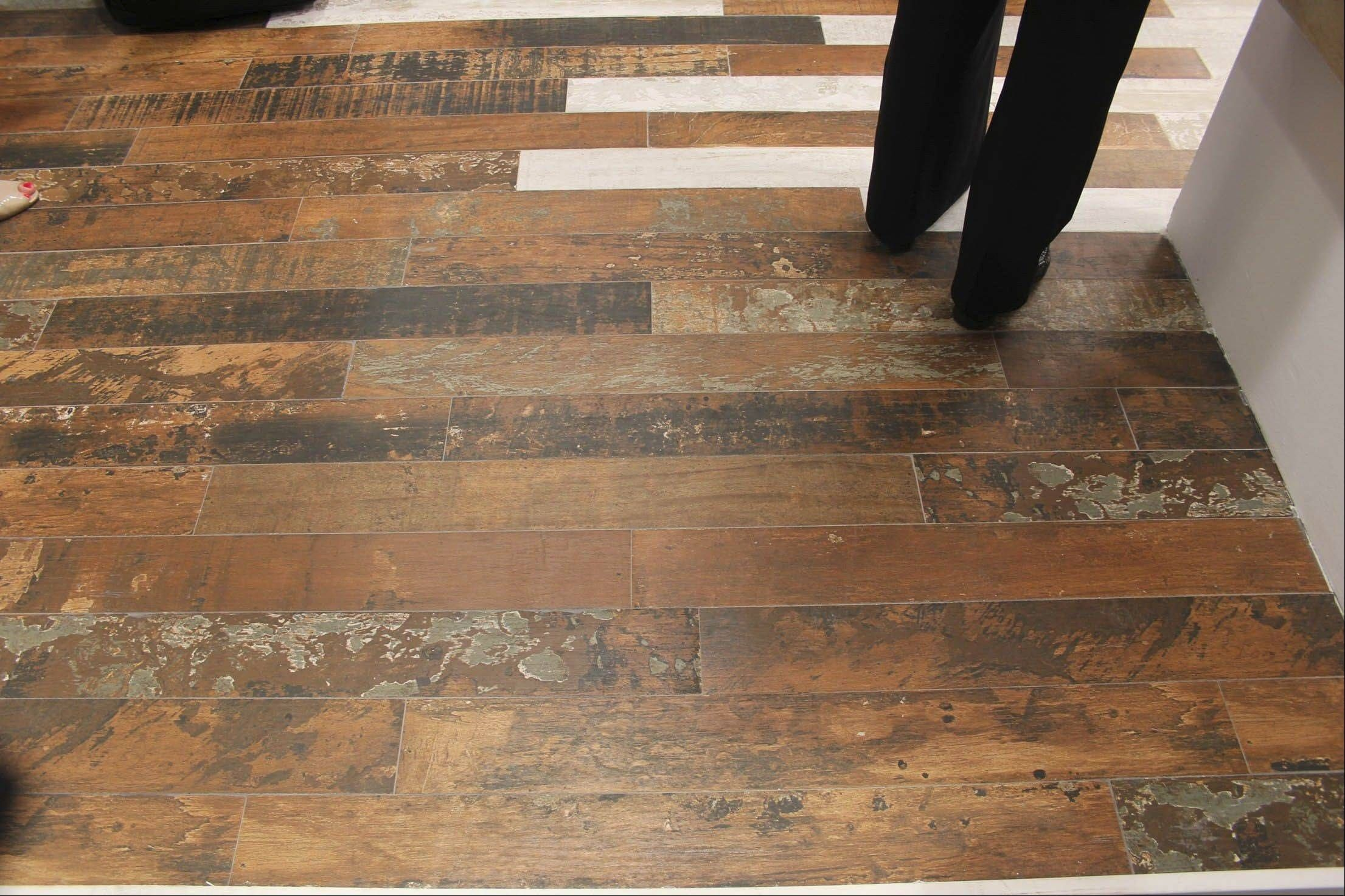 Vinyl Flooring That Looks Like Barn Wood Wood Look Tile Wood