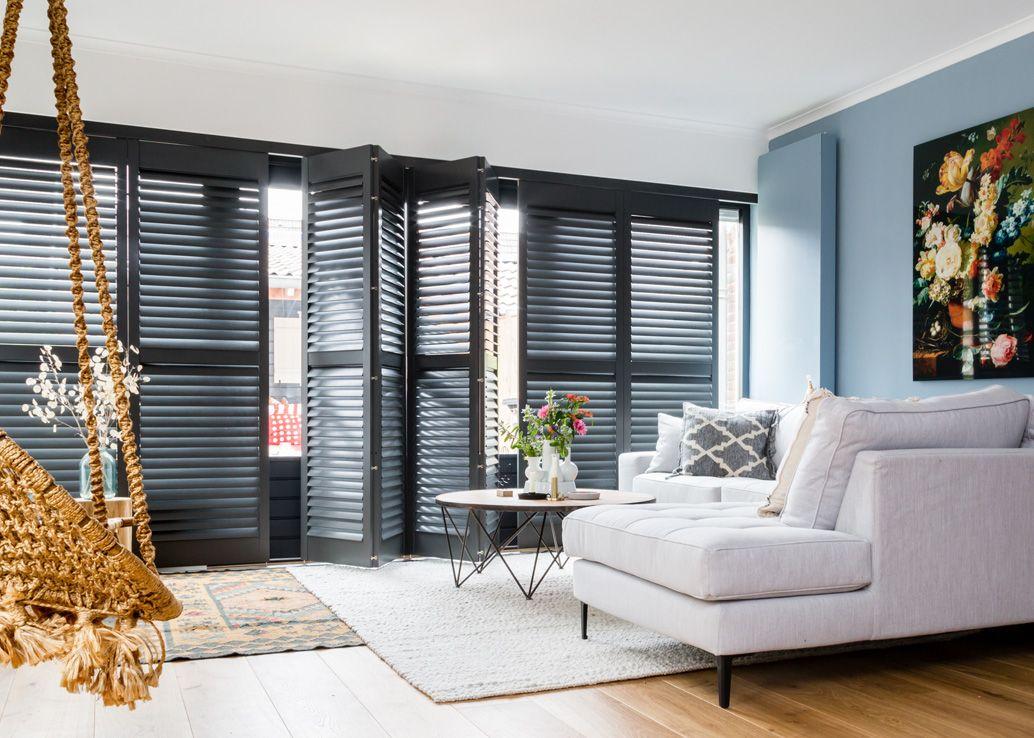 Wohnzimmer Rollos ~ Jasno innenfensterläden und jalousien aus holz auch shutters oder