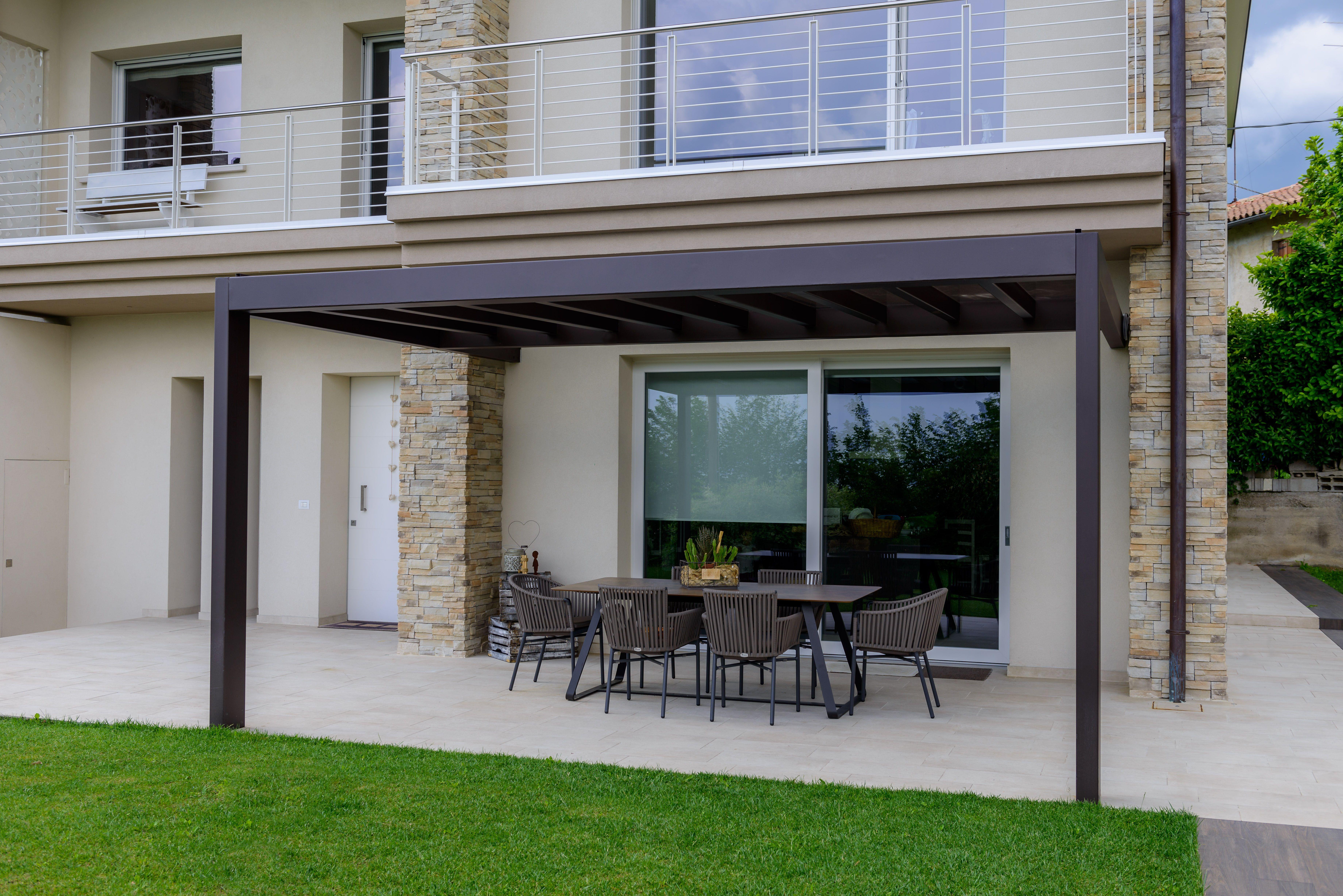 Veranda con copertura in policarbonato anti UV