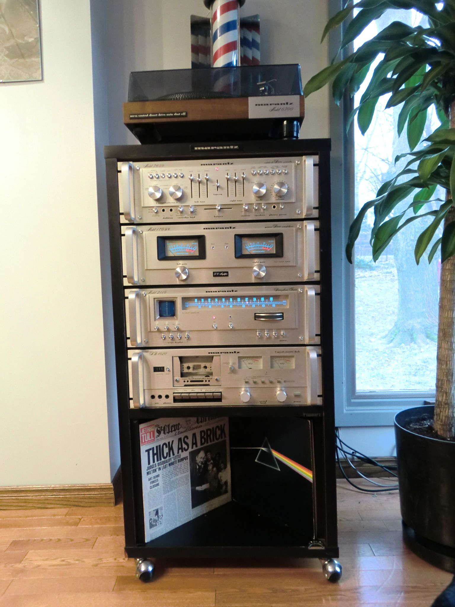 Looking for Vintage Marantz Audio Equipment - Racks, Amps