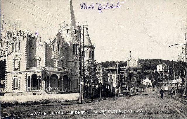 Avenida del Tibidabo, Barcelona (recto) by jordipostales, via Flickr  улица, на которой располагался особняк семьи Альдайя