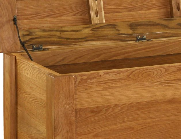 Sherwood Rustic Oak Blanket Box