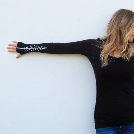 Women\u0027s Small Long sleeve thumbhole Tee with Ascend logo by Kult