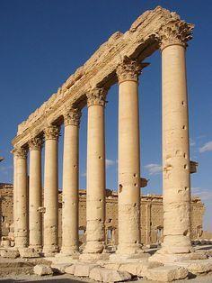 Roman Columns Greek Columns Roman Columns Roman Architecture