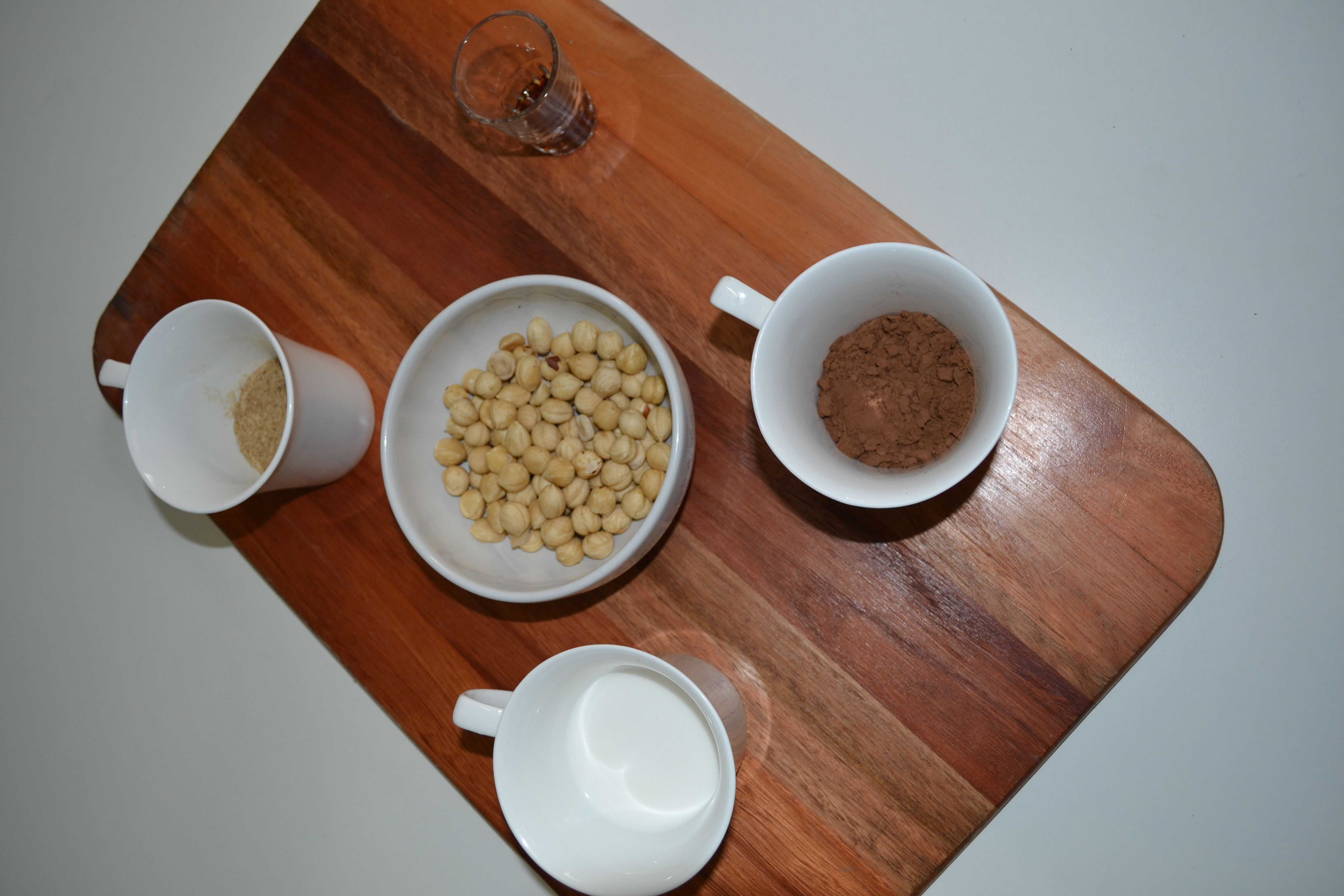 Ingredients for the hazelnuts sweet