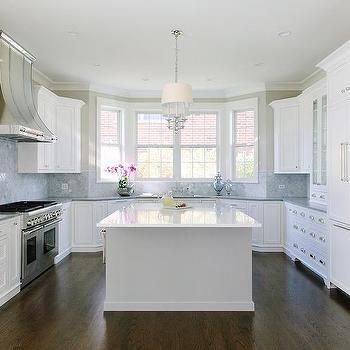 U Shaped Kitchen With Bay Window Sink Kitchen Remodel Countertops Cheap Kitchen Remodel Kitchen Remodeling Projects