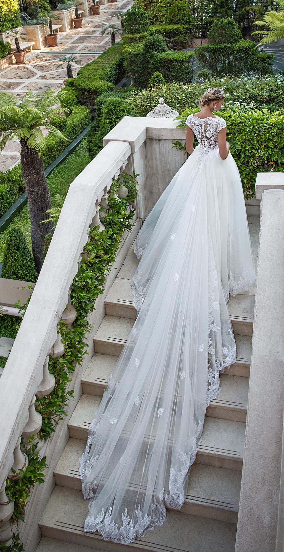 Alessandra Rinaudo 2017   Fashion   Pinterest   Sheath wedding ...