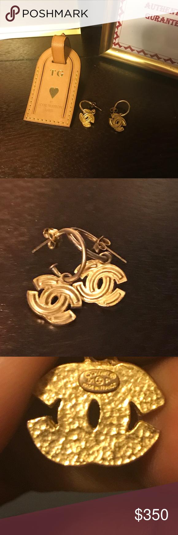 Authentic chanel vintage earrings gold cc logo Vintage