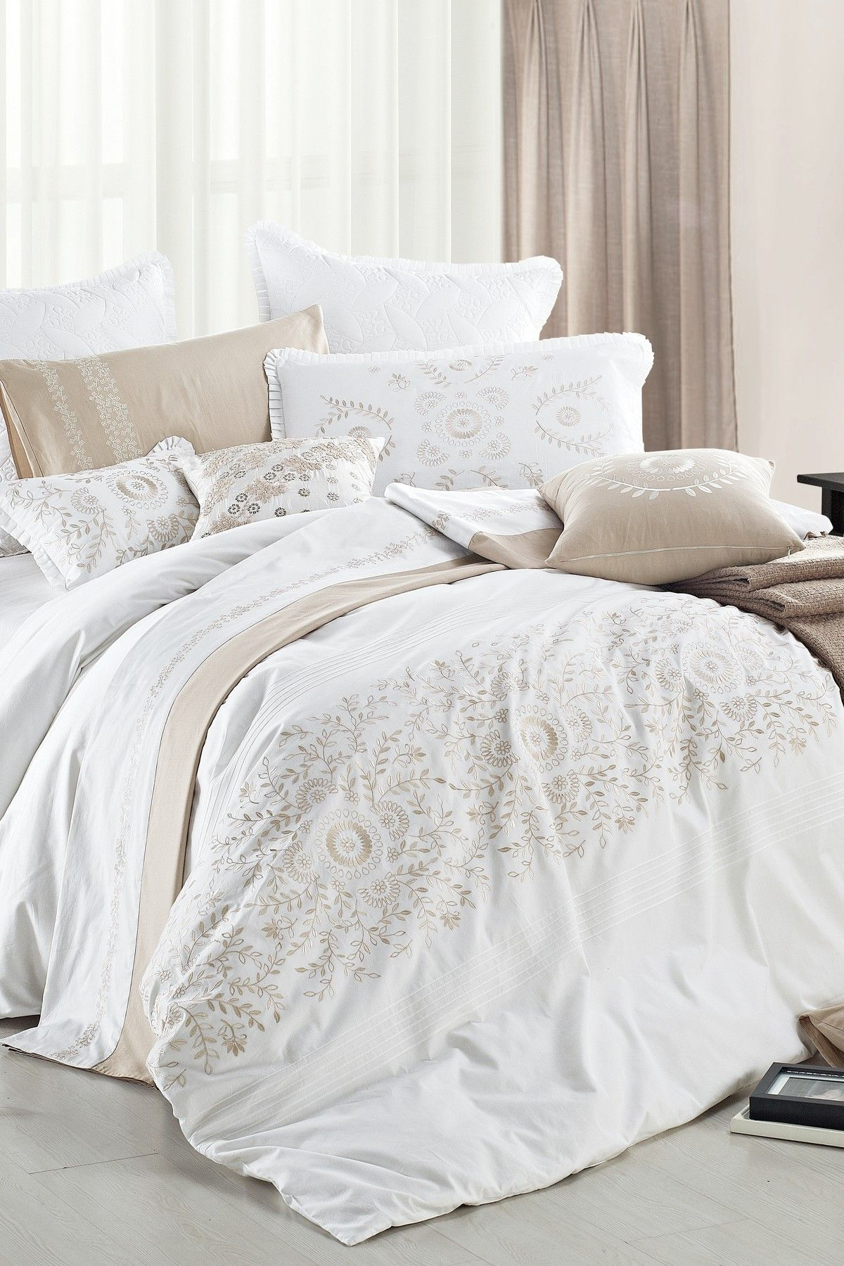 midas duvet set white gold on hautelook home pinterest white and gold bedding duvet. Black Bedroom Furniture Sets. Home Design Ideas