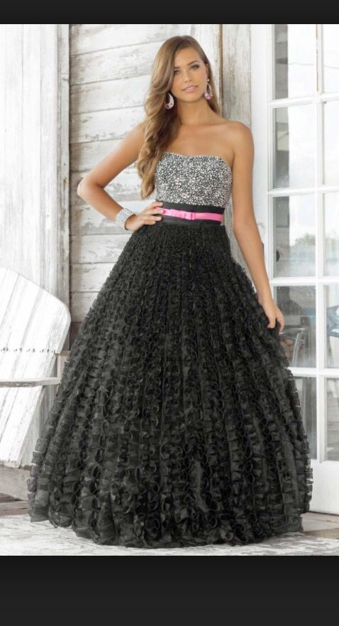 Black And A Dash Of Pink Prom Dresses Pinterest Prom And Black