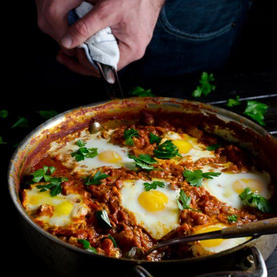 Make Ahead Harissa Shakshuka { egg & tomato breakfast skillet}
