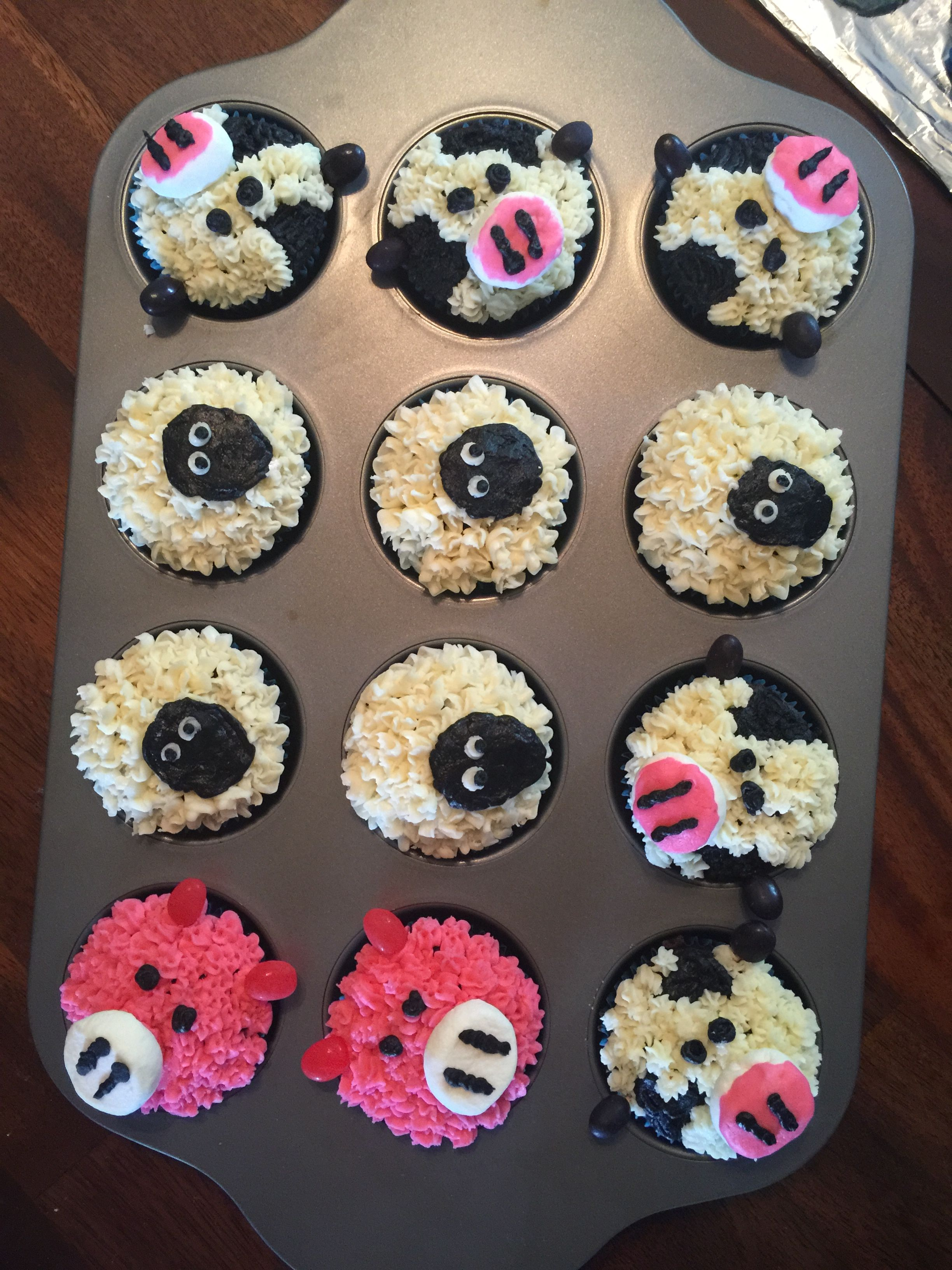 Little Blue Truck Birthday Party With Farm Animal Cupcakes