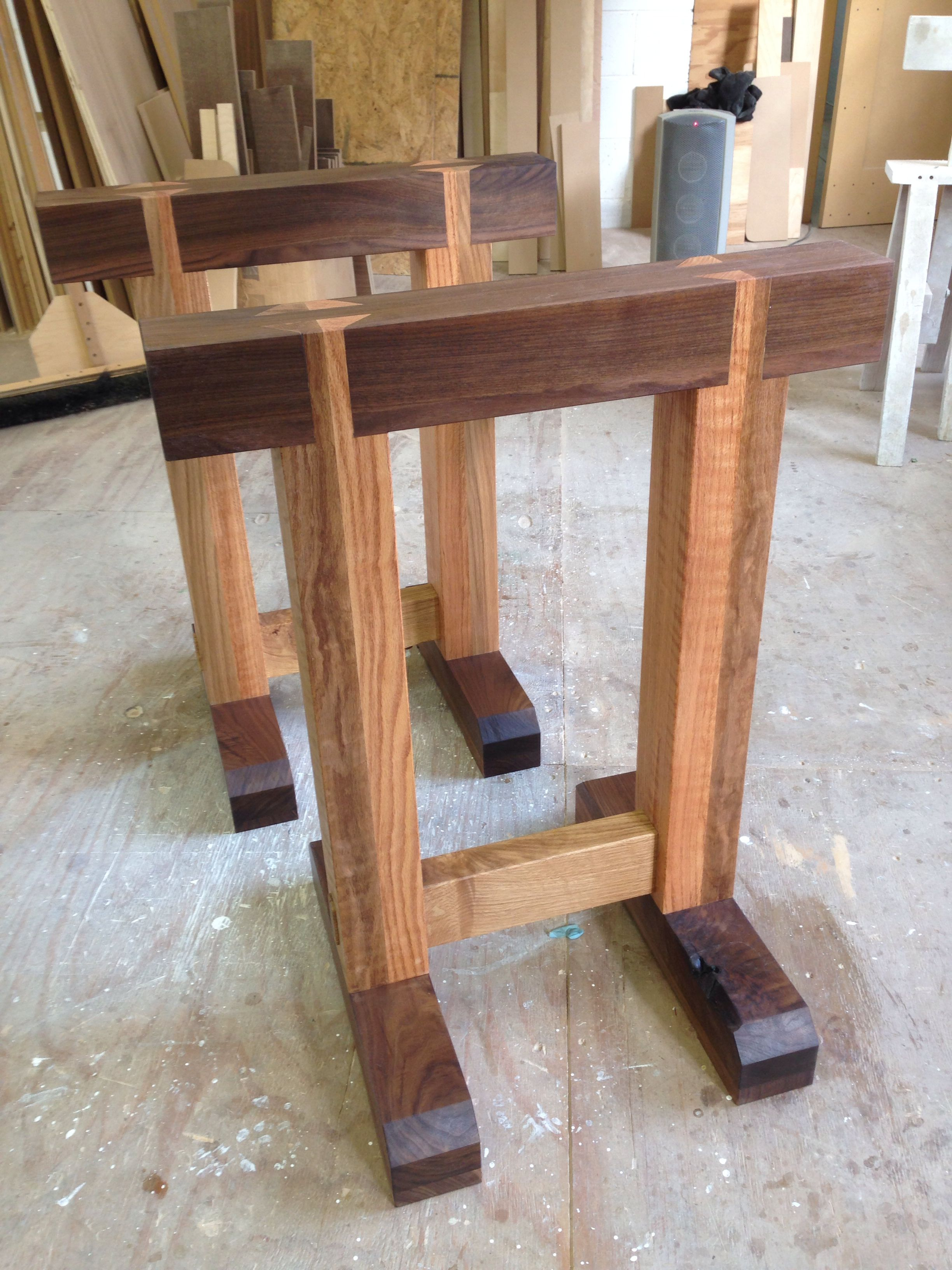 Diy Adjustable Table Legs Heavy Duty Sawhorse Can Maybe Make The Legs Adjustable