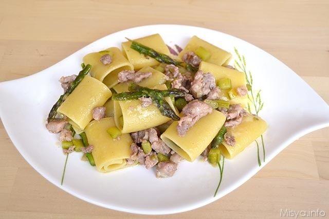 Ricette Asparagi Misya.Paccheri Con Asparagi E Salsiccia Ricette Ricette Pasta Con Asparagi Asparagi
