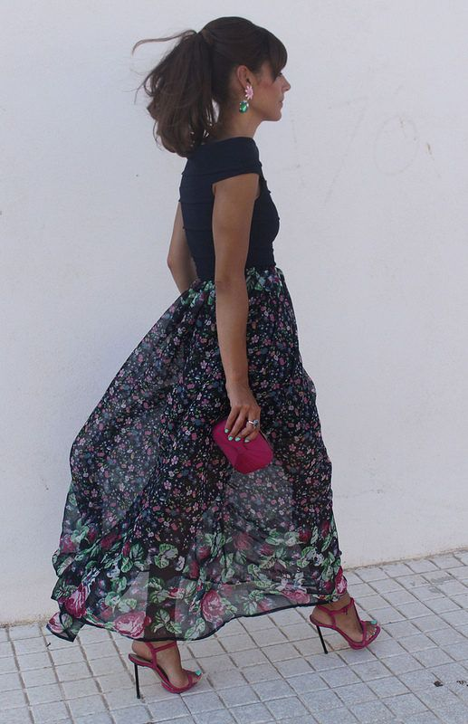#womanswear #summer #look #street #style #floral #maxi #skirt #blue #pink #bag #sandal #heels #pumps #shoes #fashion
